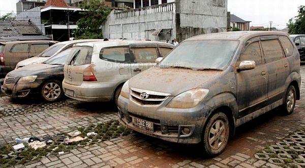 Adira Insurance Kebanjiran Klaim Mobil