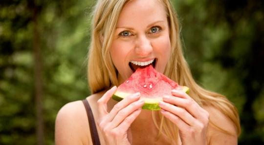 Manfaat dan khasiat buah semangka