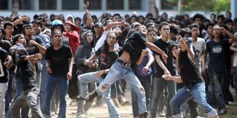 MOI Kelapa Gading Diserang FBR