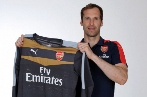 Cech Resmi Milik Arsenal
