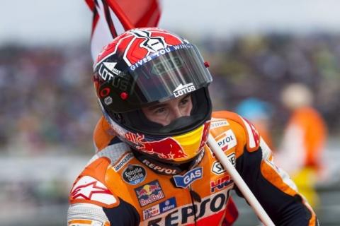 Marquez Ketagihan Bertarung dengan Rossi