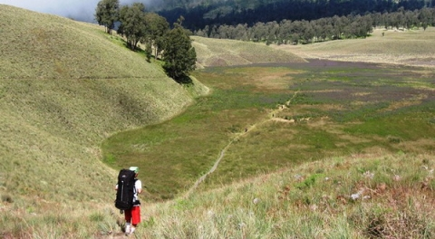 Pendaki Semeru Jatuh ke Jurang saat Turun dari Puncak