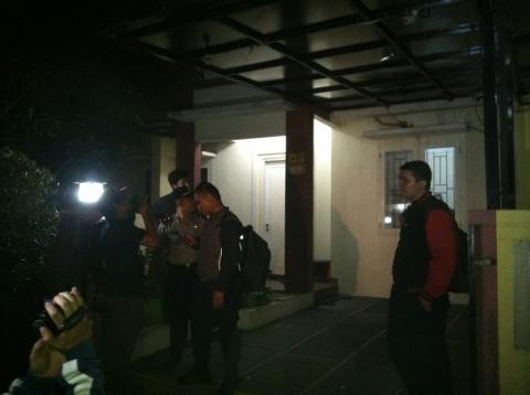 Rumah Penyidik KPK Diteror Bom