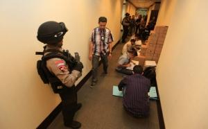 Polisi Sita Satu kardus Dokumen di Kemendag