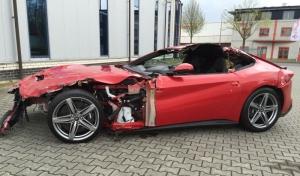 Mobil Ferrari Ringsek Dijual Rp1,14 Miliar