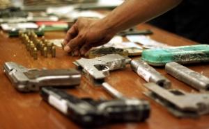 Warga Perbatasan RI-Malaysia Serahkan 43 Senjata