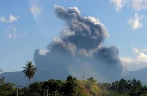 Gunung Lokon Masih Siaga, Warga Diminta Jauhi Radius Bahaya