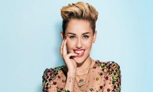 Ada 35 Kata Tak Senonoh di Lagu Baru Miley Cyrus