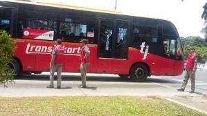 Bus Buruh Datang, Transjakarta Disetop