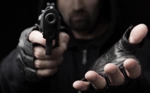 Lawan Perampok, Pedagang Emas Ditembak