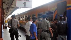 Ulang Tahun PT KAI, Tarif Kereta Jarak Jauh Hanya Rp70 Ribu