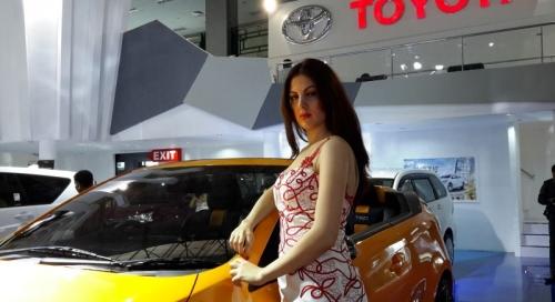 Kisah SPG Cantik Asal Iran di Pameran Automotif GIIAS Makassar