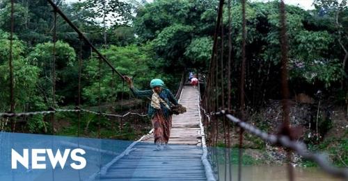 Saat Jembatan Gantung Ambruk di Demak, Ibu-Ibu Bergelantungan