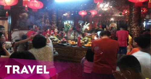 Vihara Tertua di Bogor Dibanjiri Warga Tionghoa