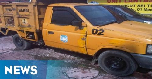 Diduga Disalahgunakan, Mobil Dinas Alami Kecelakaan