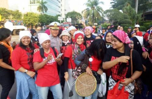 Massa Buruh Mulai Berdatangan ke Bundaran HI