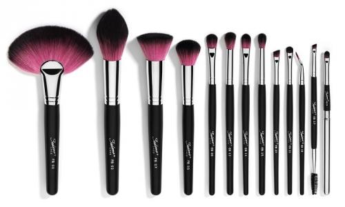 4 Kesalahan yang Sering Dilakukan saat Membersihkan Kuas Make-Up