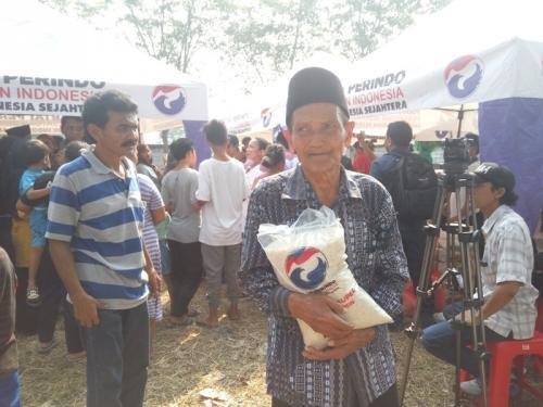 Ada Bazar Perindo di Tangerang, Kakek Marsudin: Alhamdulillah Bisa Beli Beras Murah untuk Makan Anak Cucu