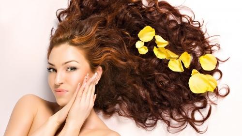4 Cara Mudah Miliki Rambut Sehat dan Cantik Alami