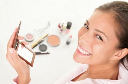 Bagaimana Cara Membedakan Produk Make-Up Berkualitas dan Tidak?