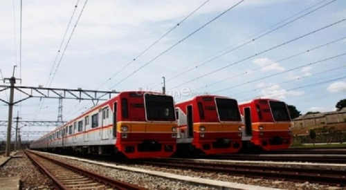Lebaran Hari Pertama, 500 ribu Orang Gunakan Kereta Commuter