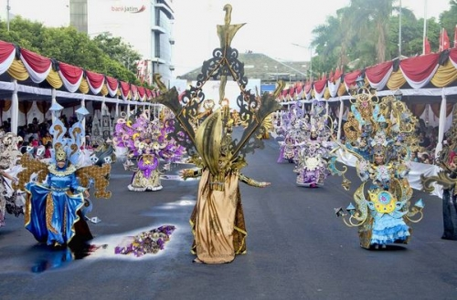 "WOW! Penampilan ""Wonderful Artchipelago Carnival Indonesia"" Pukau Penonton JFC"