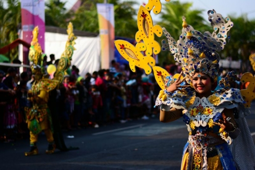 Acungi Jempol! Presiden Jokowi Anggap Jember Fashion Carnaval sebagai Ikon Karnaval di Indonesia