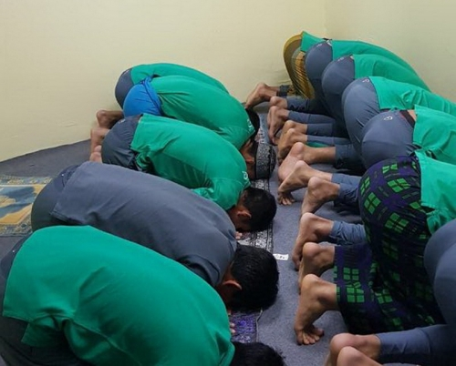 Jadi Imam Salat, Kiper Timnas Indonesia U-22 Dicky Indrayana Jadi Buah Bibir