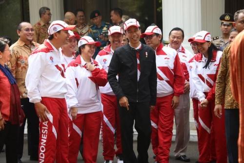 Selain Puji Lindswell Kwok, Jokowi Beri Semangat Kontingen Indonesia di SEA Games 2017