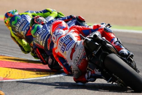 Valentino Rossi Hanya Tertinggal 0,5 Detik dari Vinales, Marquez: Talenta Buktikan Semuanya