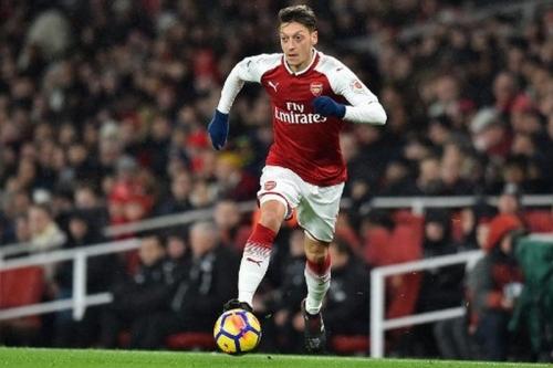 Wenger Puji Gol Cantik Ozil yang Selamatkan Arsenal