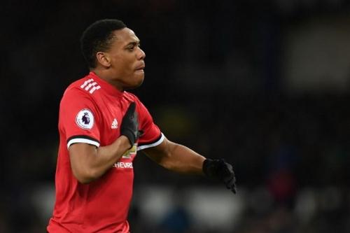 Wenger Minta Man United Berikan Martial dalam Kesepakatan Transfer Sanchez