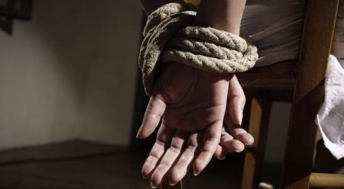 Tangan Diikat dan Mulut Dilakban, Ayah Tiri Sekap Bocah 4 Tahun di Hotel
