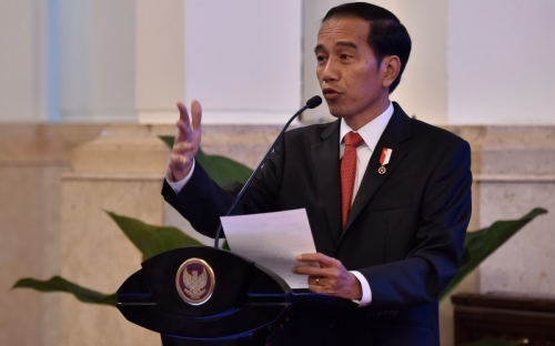 Jokowi Ajak Pemuda Sering ke Luar Negeri