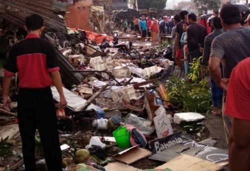 Truk Tabrak Kendaraan dan Rumah Penduduk di Bumiayu, 11 Orang Tewas
