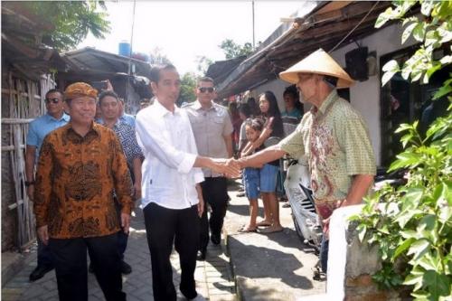 Mudik ke Solo, Presiden Jokowi Blusukan Sapa Warga