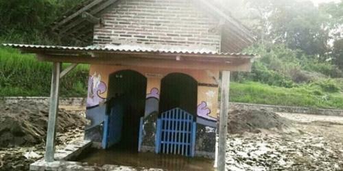 Musala Masih Berdiri Kokoh Usai Tersapu Banjir Bandang di Banyuwangi