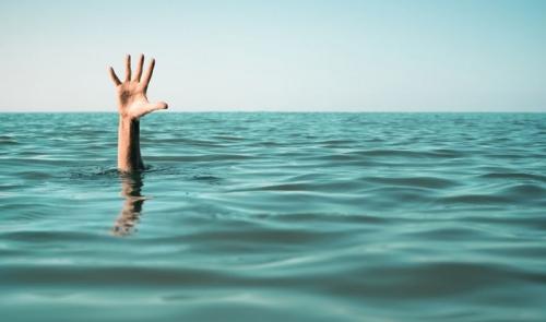 Pejabat Senior World Bank Tewas Tenggelam di Pantai Double Six Bali