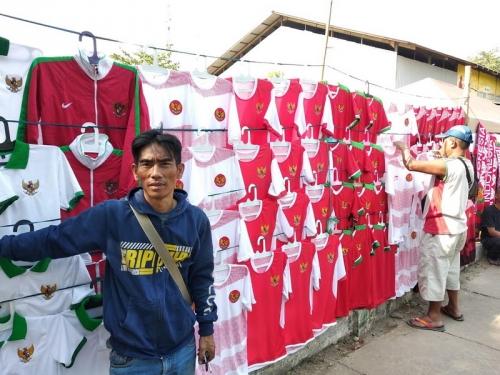 Performa Timnas Indonesia U-23 Pengaruhi Omzet Pedagang Atribut